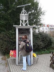 Bild derr BiblioboXX am Standort Müllerstraße, Berlin-Wedding. (c) Physalis74