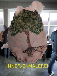 Frohe Ostern. Das Exponat ist in der Ausstellung in der Patmos-Gemeinde bis 6. April 2016 noch zu besichtigen.